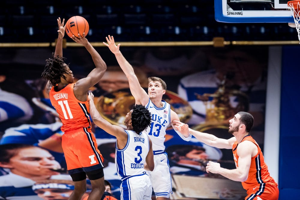 Junior guard and preseason All-American Ayo Dosunmu paced Illinois offensively.