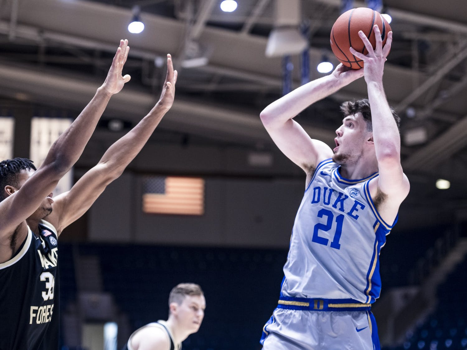 Matthew Hurt finished with a career-high 26 points Saturday.