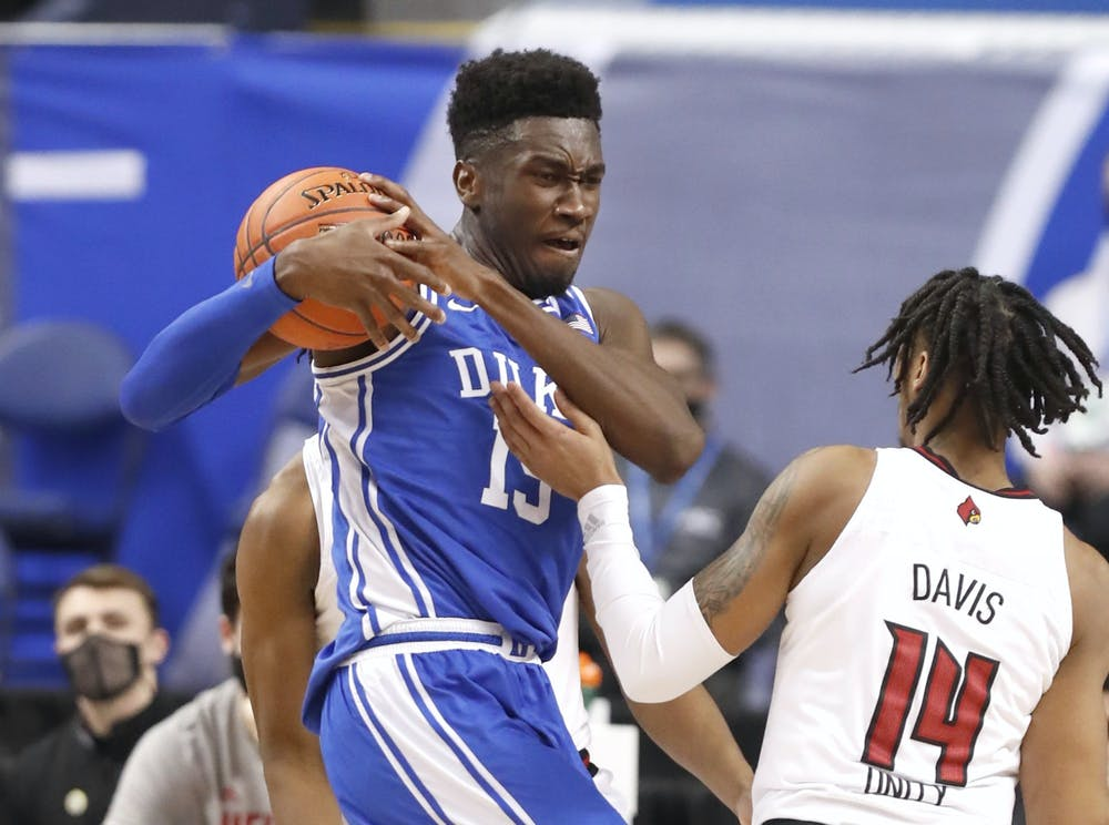 <p>Sophomore Mark Williams was front and center on both ends of the floor during last Wednesday's scrimmage.</p>