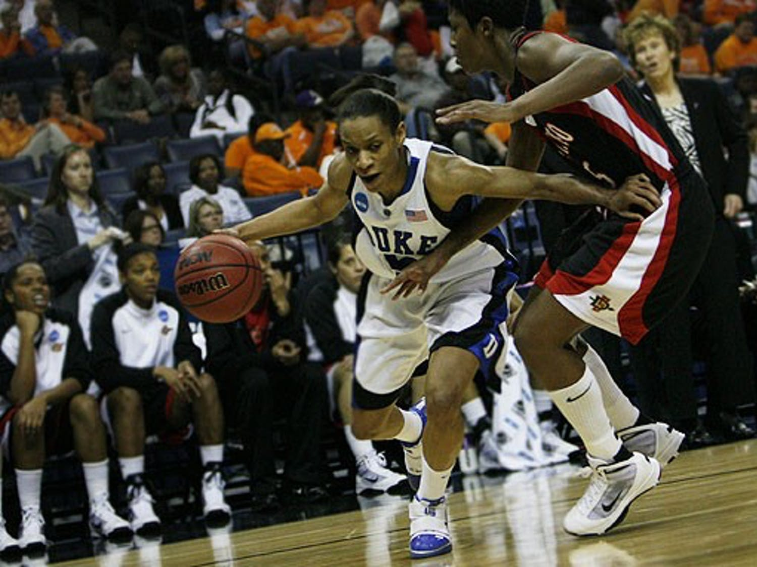Jasmine Thomas led the Blue Devils to a 66-58 victory over the San Diego State Aztecs, scoring a total of 29 points.