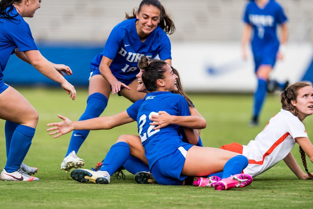 The polling system has been all over the place for both men's and women's soccer at the collegiate level.
