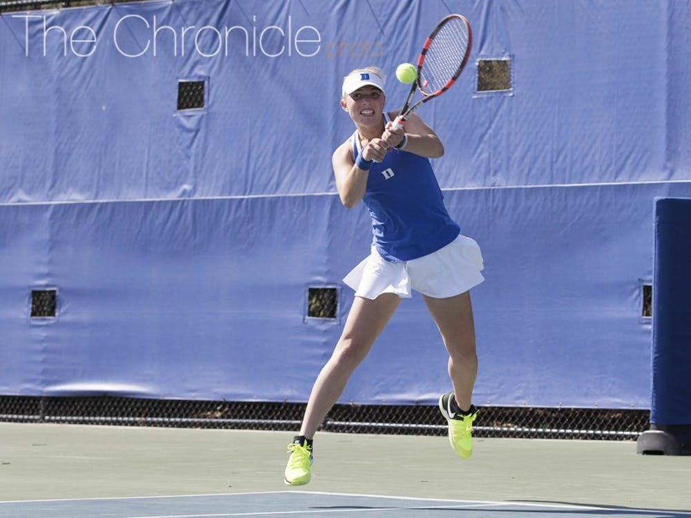 Ellyse Hamlin dominated on Court 6 in her two weekend matches to help the Blue Devils rout two more ACC opponents.