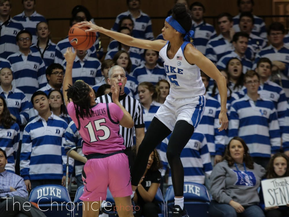 <p>Leaonna Odom picked up a block and five steals Thursday night.</p>
