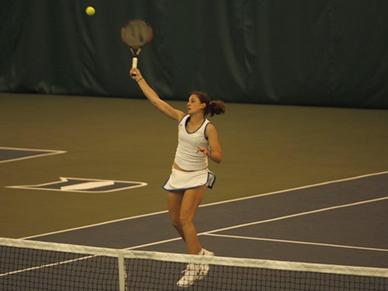 Junior Reka Zsinliszka advanced to the final of the ITA Carolina Regionals before losing to Josipa Bek.