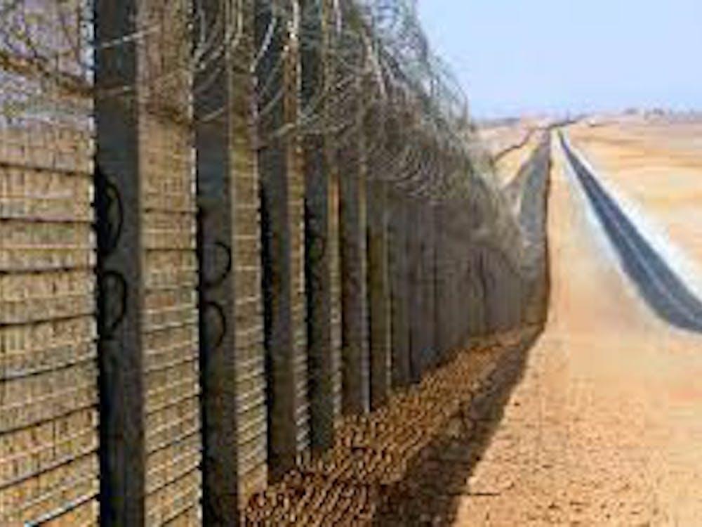 Border wall | Courtesy of Wikimedia Commons