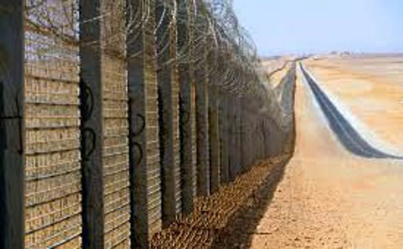 Border wall | Courtesy of Wikimedia Commons