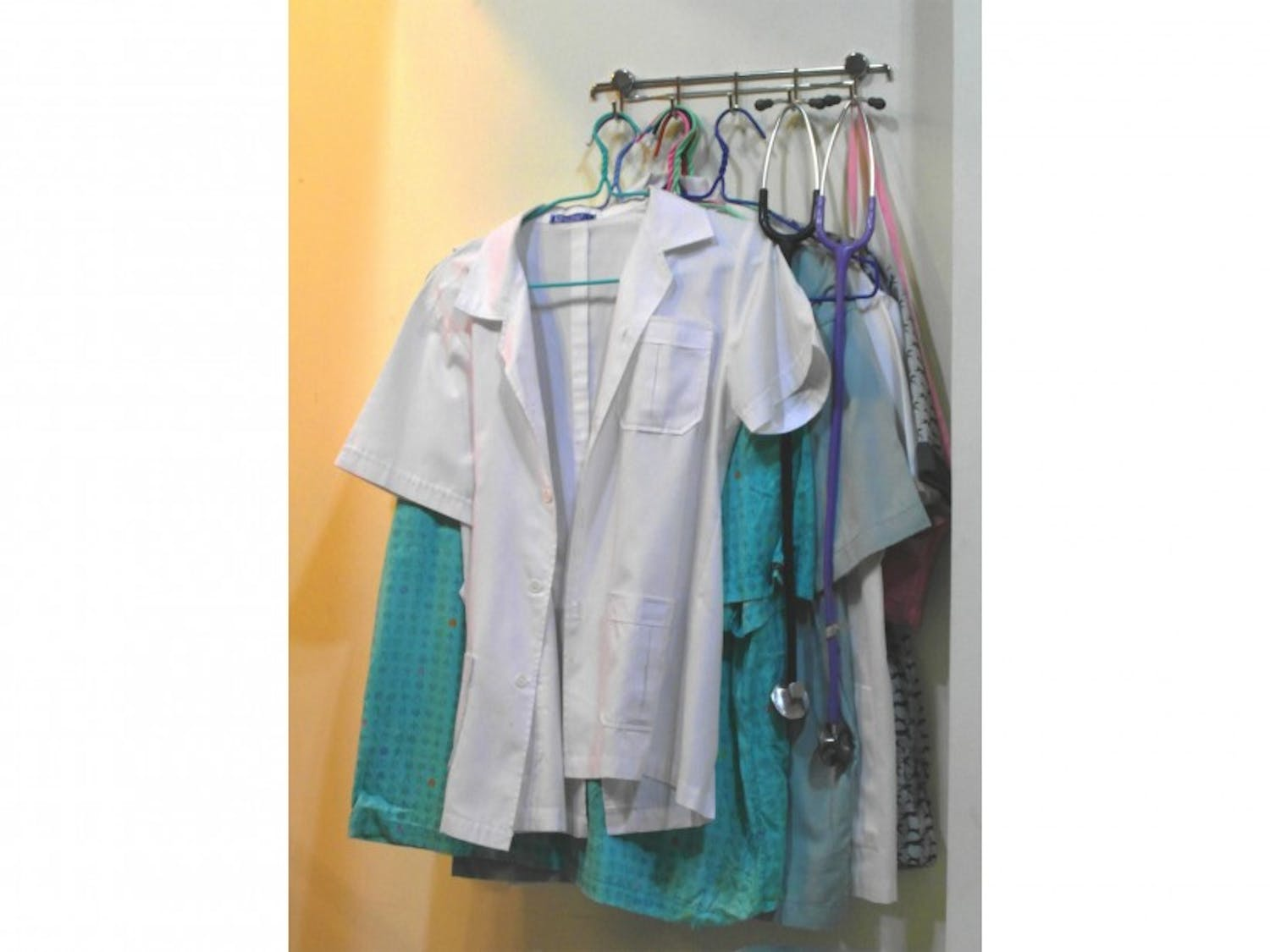 The study found that wearingantiseptic scrubs did not lead to decreased contamination of nurses' clothing.