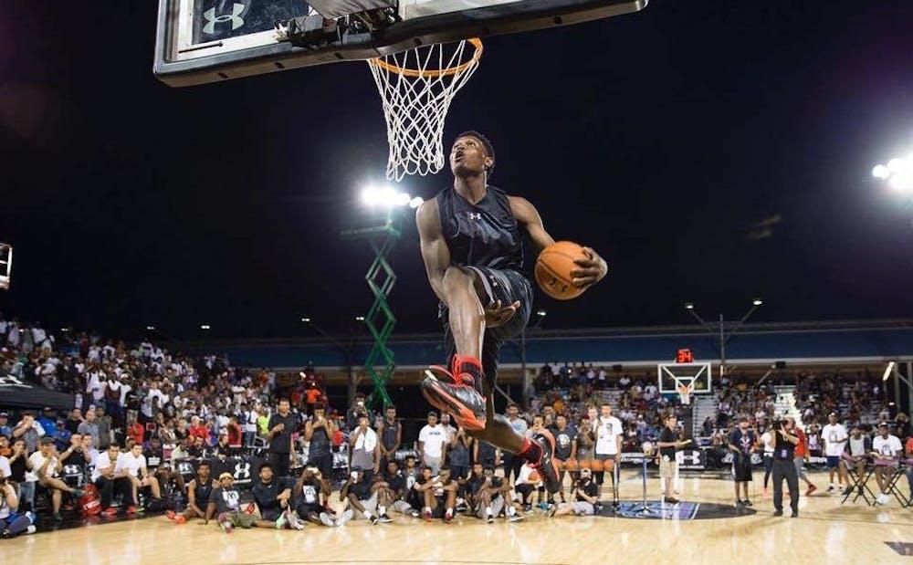 d9cf4605d50c Duke basketball freshman Zion Williamson dunks from beyond free-throw line
