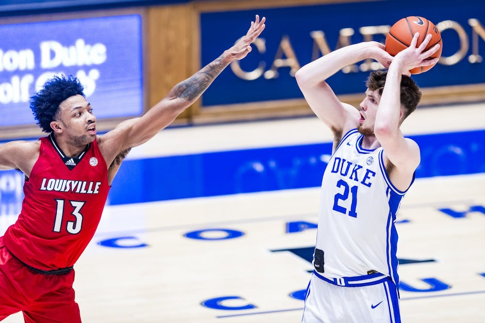 Matthew Hurt averaged 18.3 points and 6.2 rebounds per game, both categories he led the Blue Devils in.