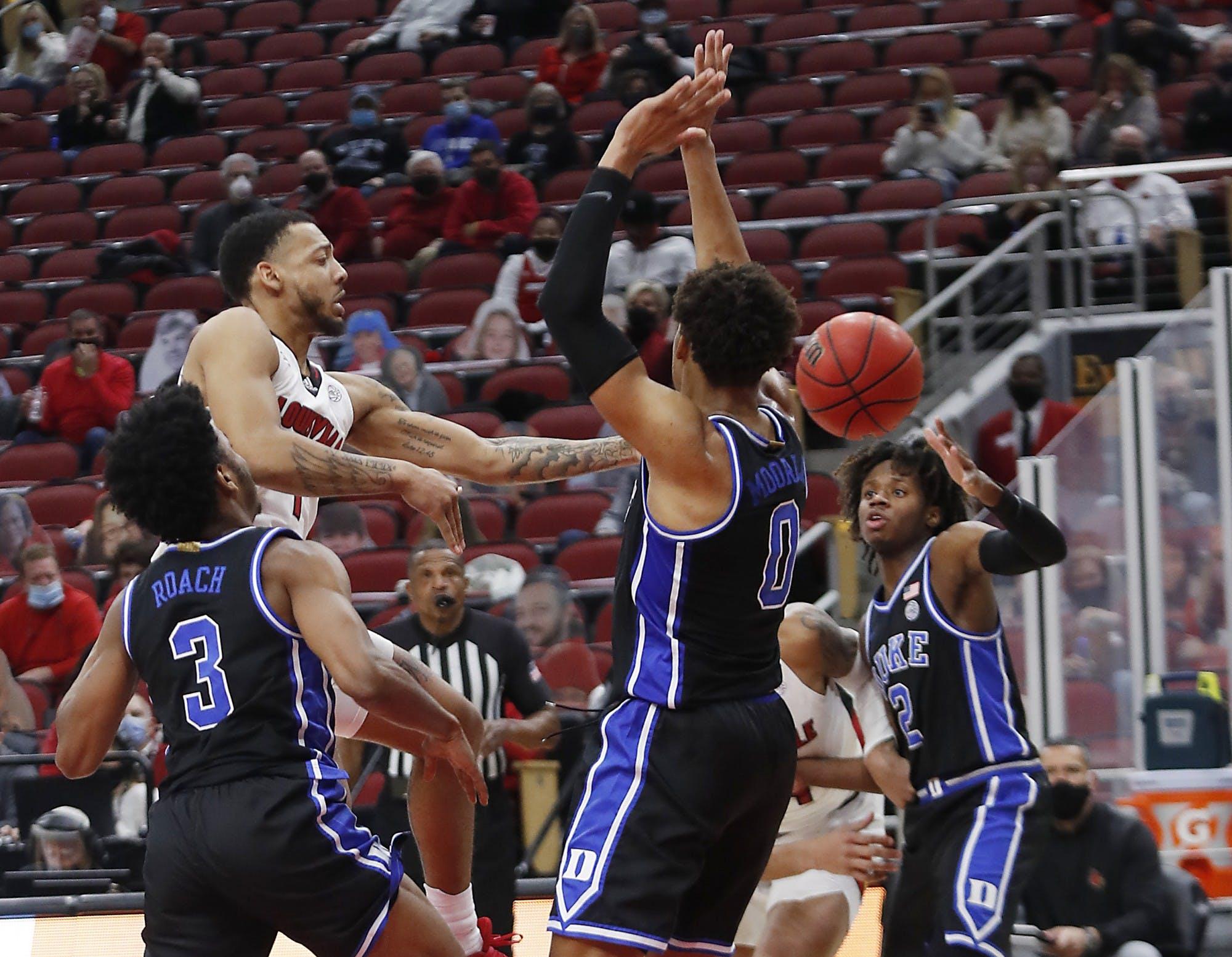 Duke men's basketball can't pull off comeback, falls at Louisville ...