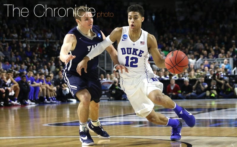 Freshman point guard Derryck Thornton will transfer from Duke after reclassifying to join the Blue Devils for the 2015-16 season.