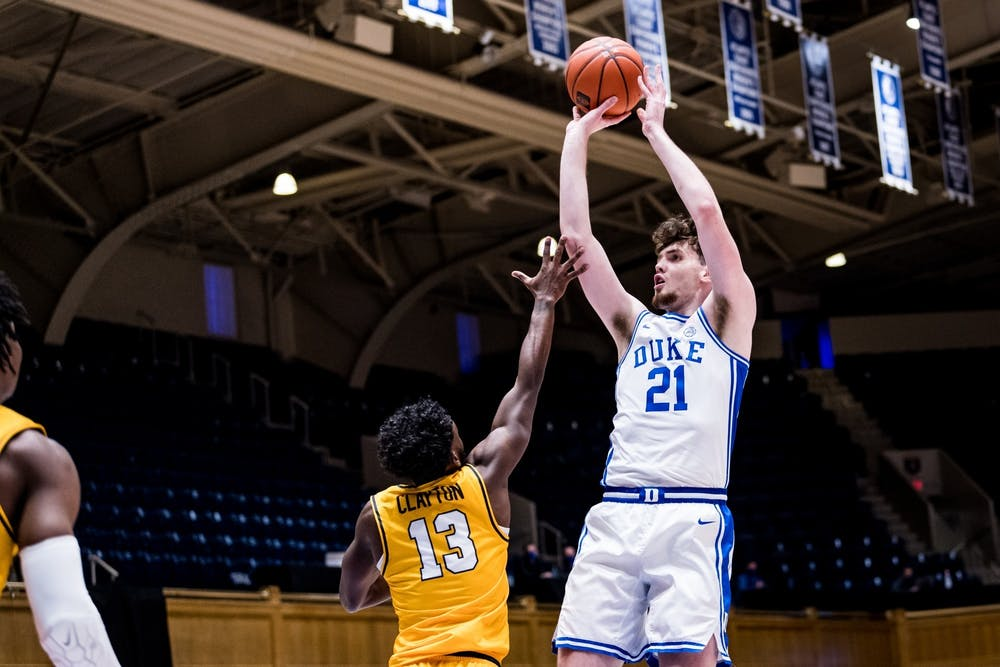 <p>Matthew Hurt scored Duke's first seven points Saturday, but was limited due to foul trouble.</p>
