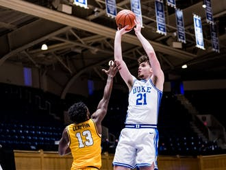 Matthew Hurt scored Duke's first seven points Saturday, but was limited due to foul trouble.