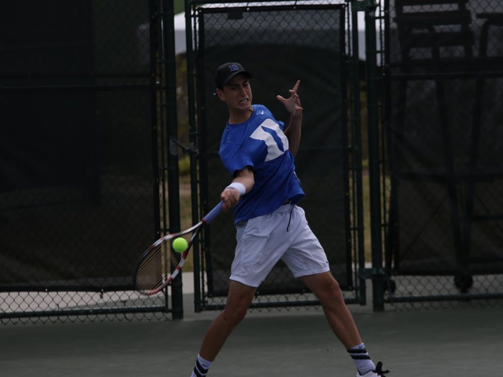 Sophomore Nicolas Alvarez led 4-0 in the third set but was not able to finish his revengematch with Notre Dame's Quentin Monaghan before the Fighting Irish secured the team victory.