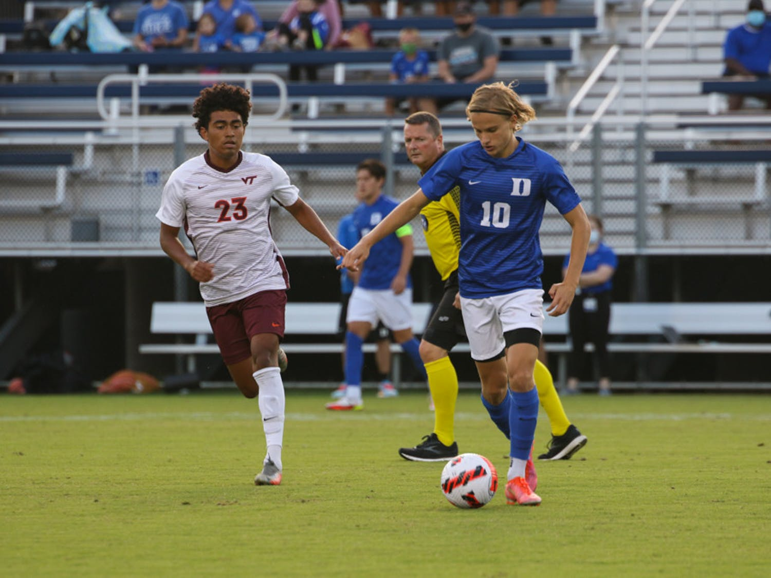Sophomore Nick Pariano netted a penalty kick goal in the 39th minute.