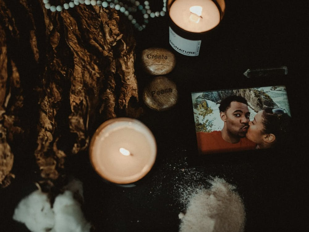 Black Bright Candles is co-owned and founded by Tiffany Griffin and her husband Daniel Heron.