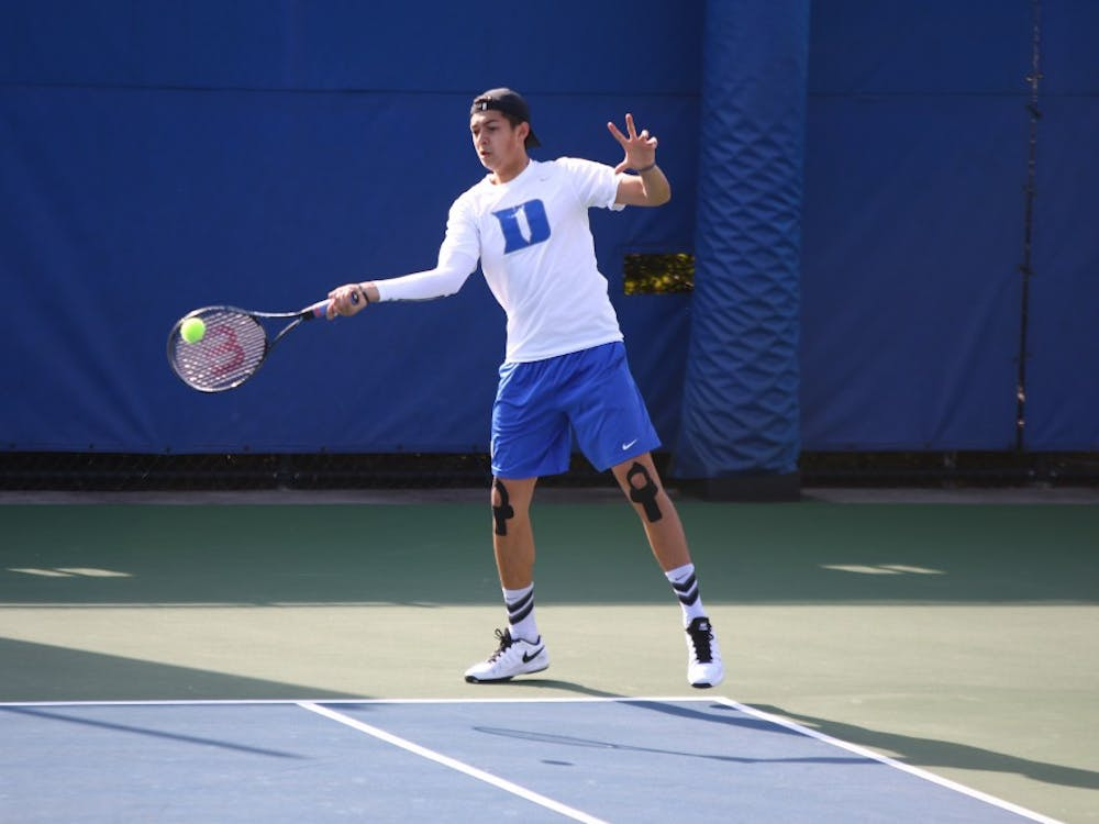 Freshman Jason Lapidus and the Blue Devils righted the ship Saturday, sweeping North Carolina A&T and Charlotte by 7-0 margins in their first outdoor matches of the springseason.