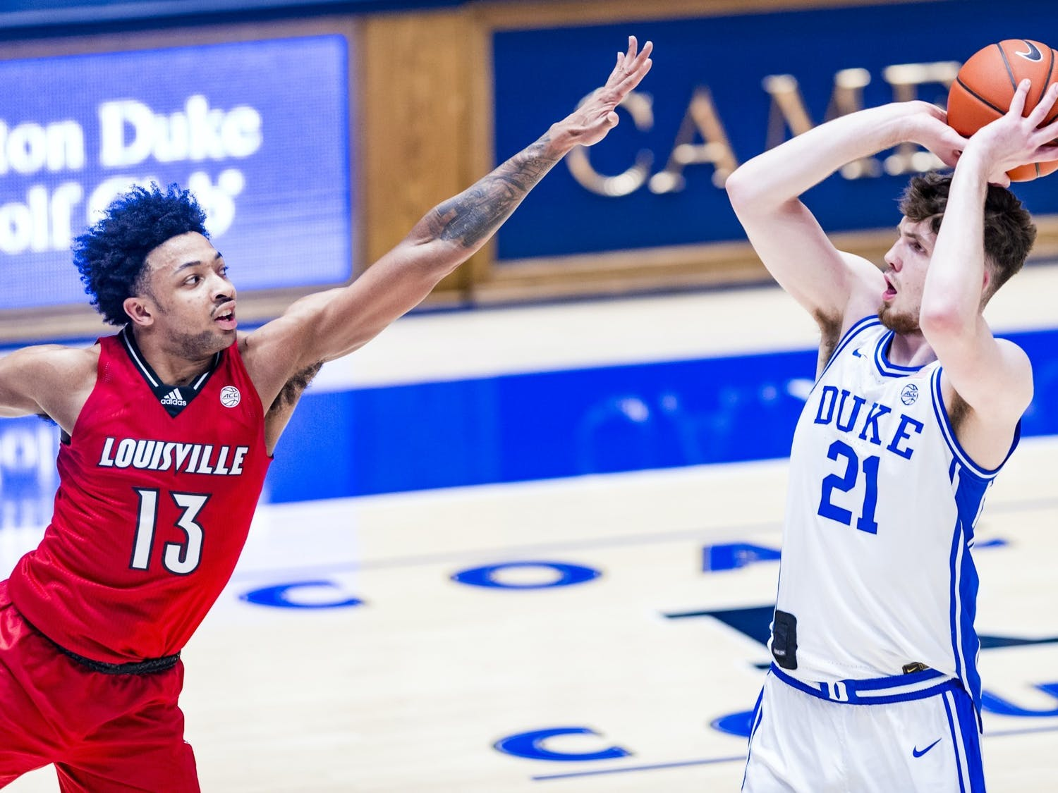 Matthew Hurt averaged 18.3 points and 6.2 rebounds in his sophomore season at Duke.