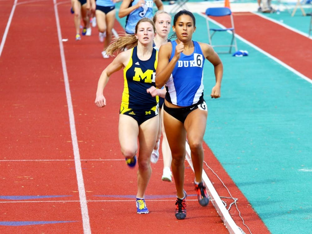 Senior Anima Banks traveled to California torun in thePayton Jordan Invitational while many of her teammates competed in the Penn Relaysand set an outdoor personal-best of 2:04.38.
