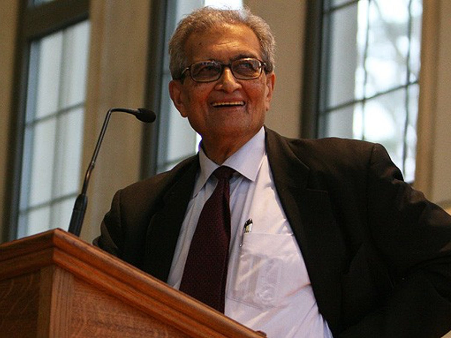 Nobel prize-winning economist Amartya Sen spoke on the abuses of Adam Smith's Invisible Hand theory in Goodson Chapel Friday afternoon.