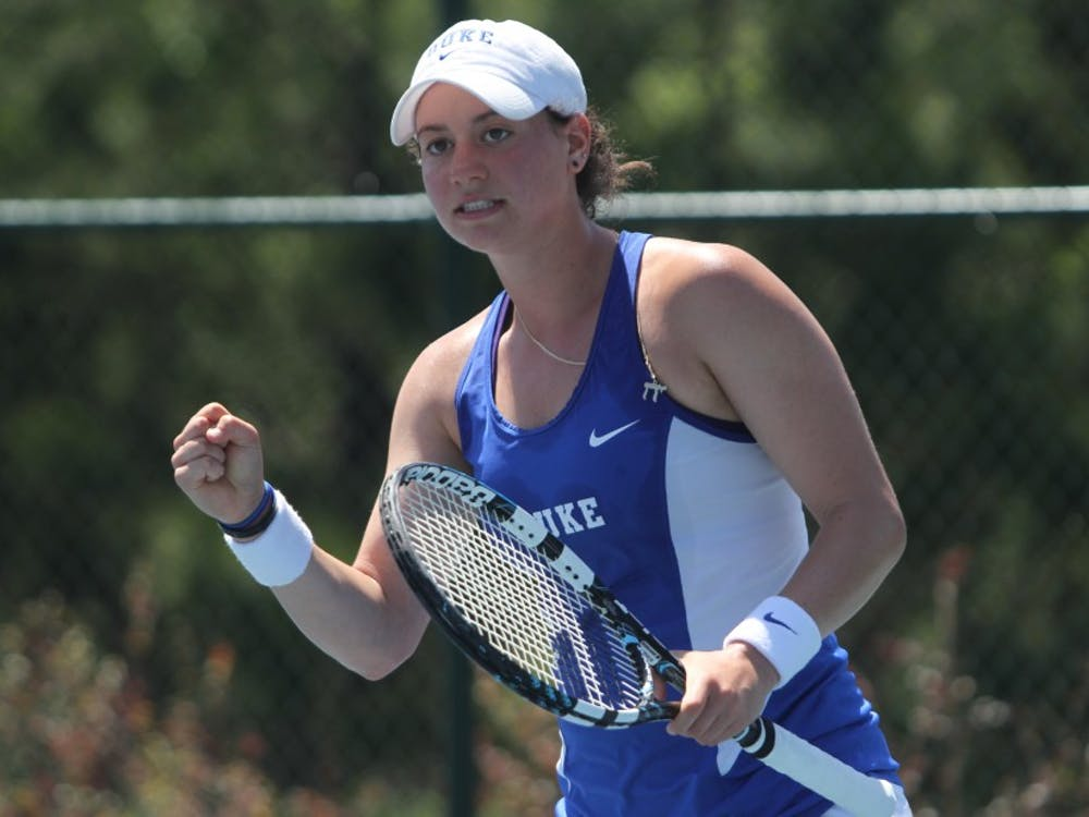 Redshirt senior Rachel Kahan and doubles partner Rebecca Smaller will carry a perfect 4-0 record into ITA regionals this weekend in Chapel Hill.