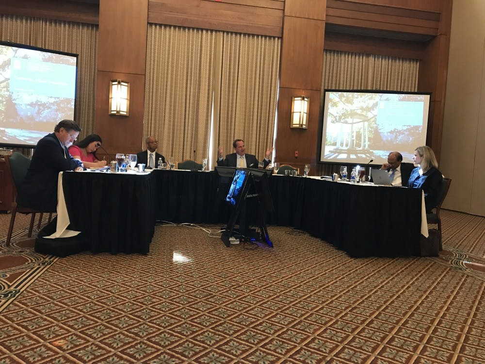 University Affairs Committee discusses fees, admissions and history task force