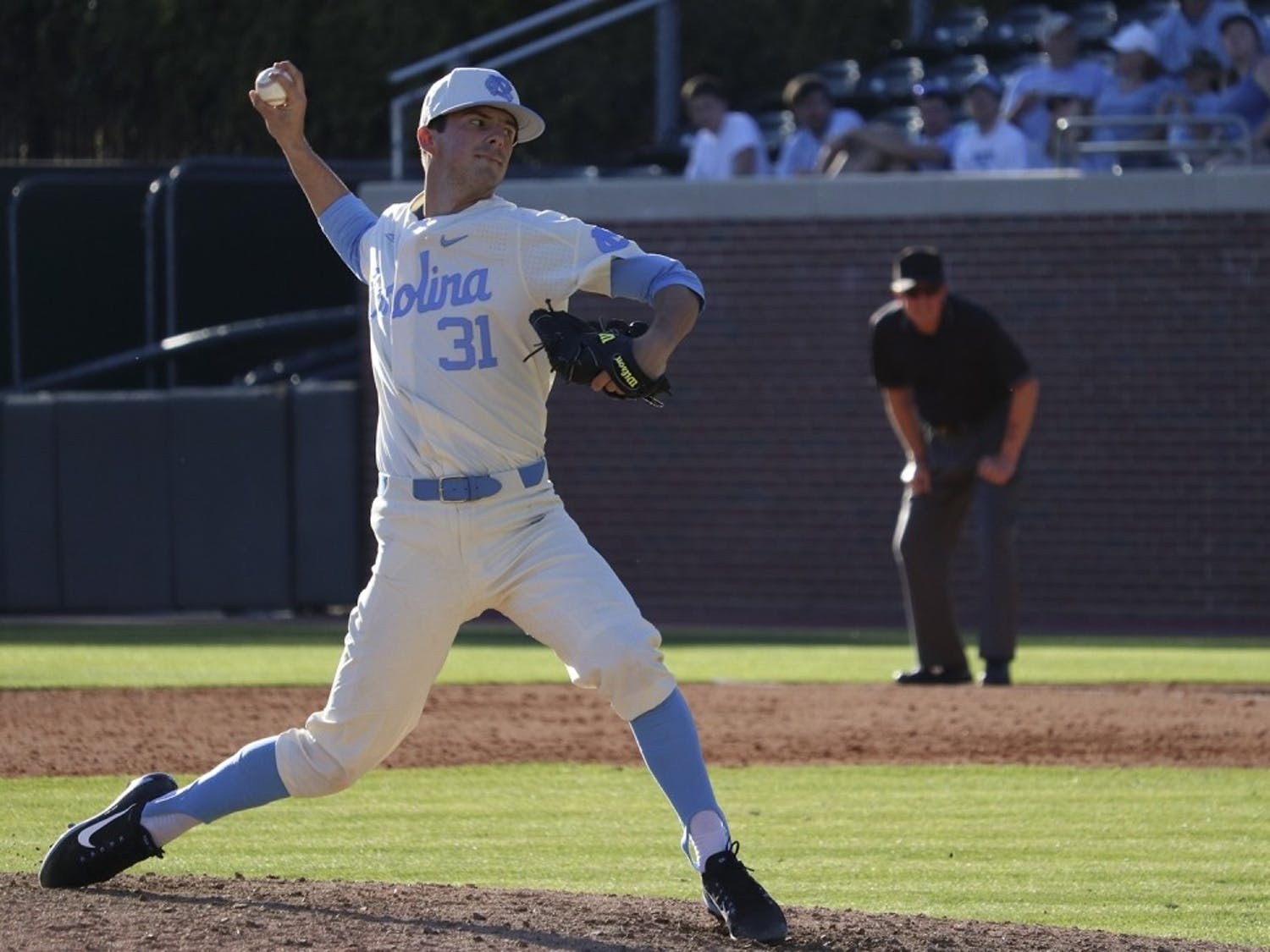 UNC's Josh Hiatt (31) pitches against Kentucky during the 2017 season.