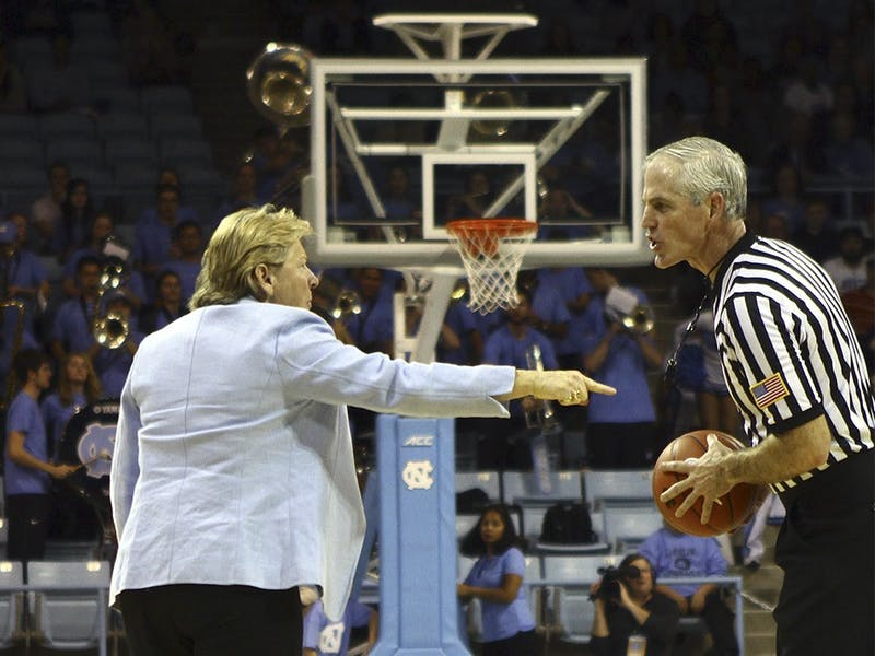 North Carolina head coach Sylvia Hatchell argues with an official over a call favoring Notre Dame in January 2015.