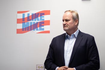 Tim O'Brien, senior adviser to Democratic presidential candidate Michael Bloomberg, visited the former New York City mayor's newly-opened campaign office in Chapel Hill to discuss policy and strategy with supporters.
