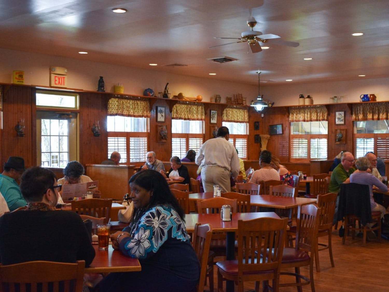 Customers dine at Mama Dip's Kitchen for lunch on May 24.