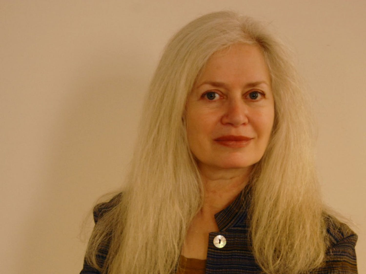 Amy Hempel, short story writer, journalist and professor, speaks at Donovan Lounge in Greenlaw on Monday afternoon inspiring her listeners with beautiful fictional prose.