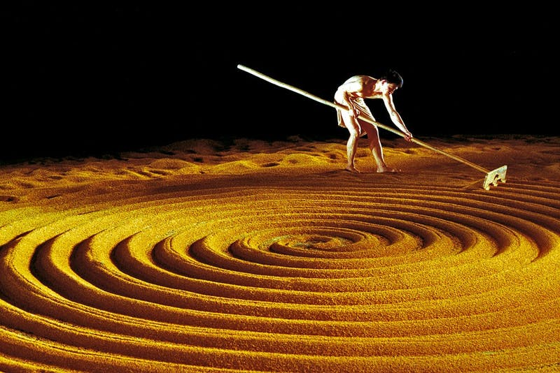 Cloud Gate Dance Theatre of Taiwanwill perform tonight with 3.5 tons of rice on stage. Courtesy ofJoe Florence.