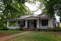 The Love House, the headquarters for the Center for the Study of the American South, which is hosting the Poetry on the Porch event with Southern Culture Magazine. Two poets, Tiana Clark and Emilia Phillips, will be presenting their work at the event. Photo courtesy of Wikimedia Commons