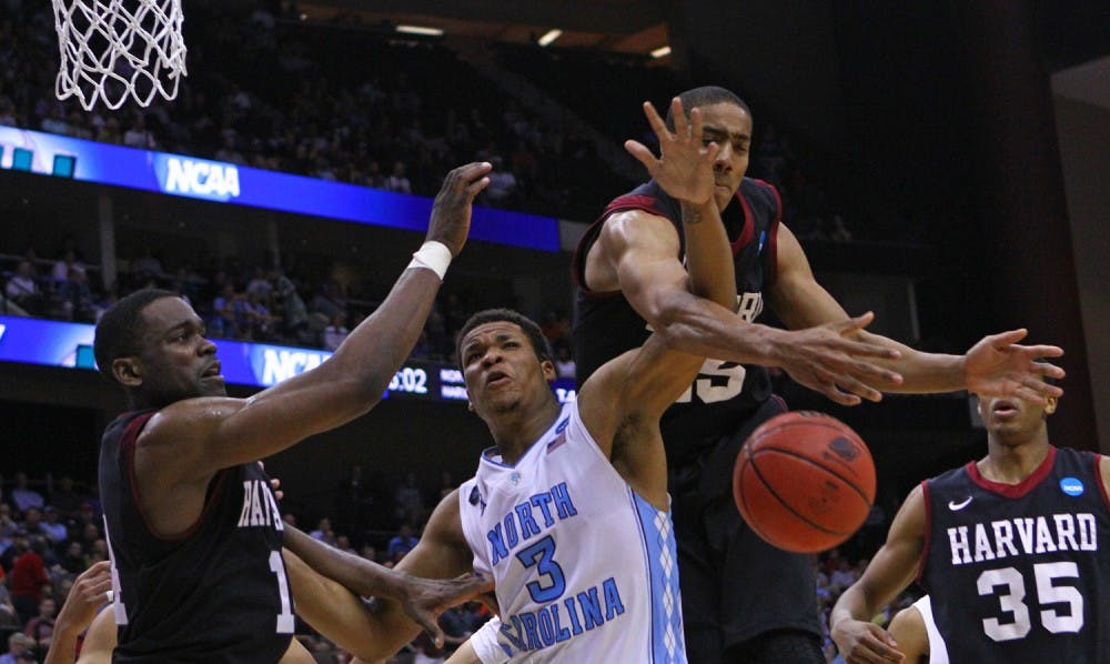 Saunders' last-second miss seals win for UNC men's basketball
