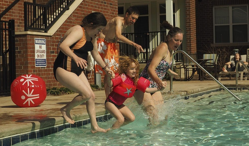 Community takes polar plunge for Special Olympics