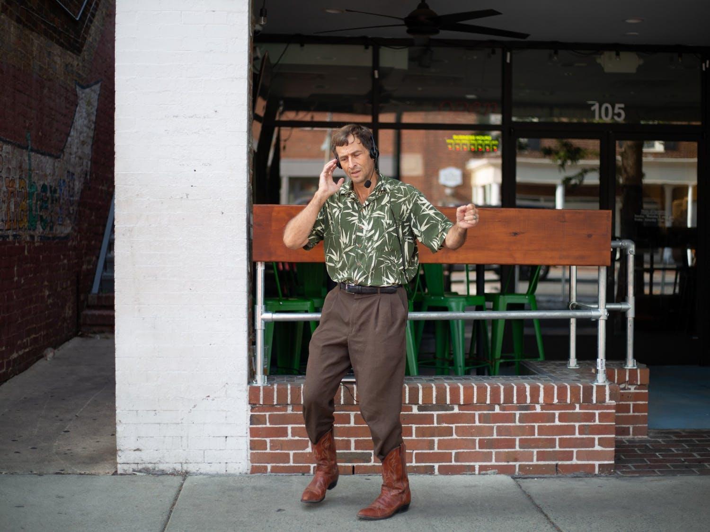 Michael Yablonski dances on Franklin St. on Sept. 6.