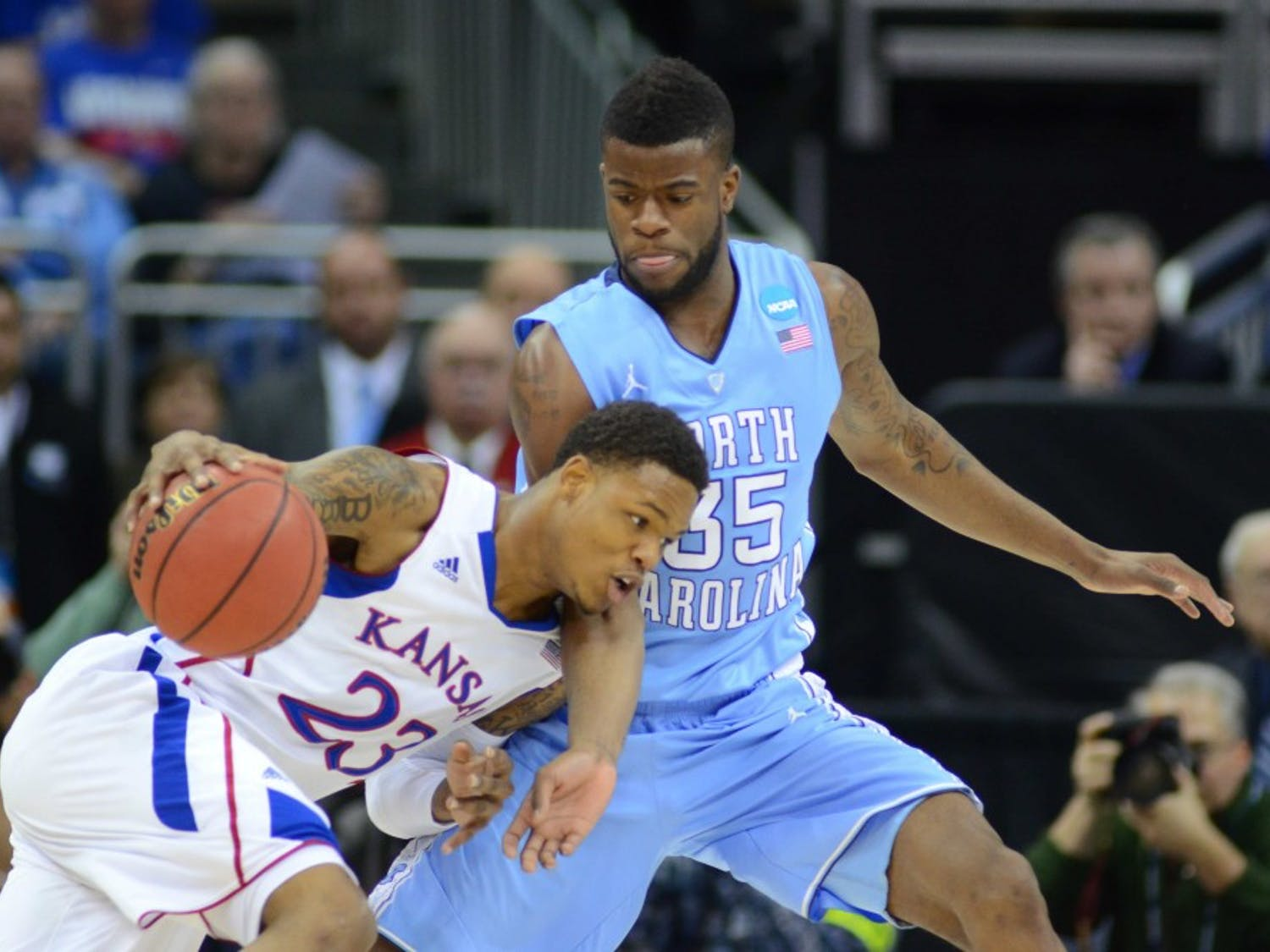 Reggie Bullock (35) defends Ben McLemore (23). McLemore is averages 16.2 points per game, but was held to 2.