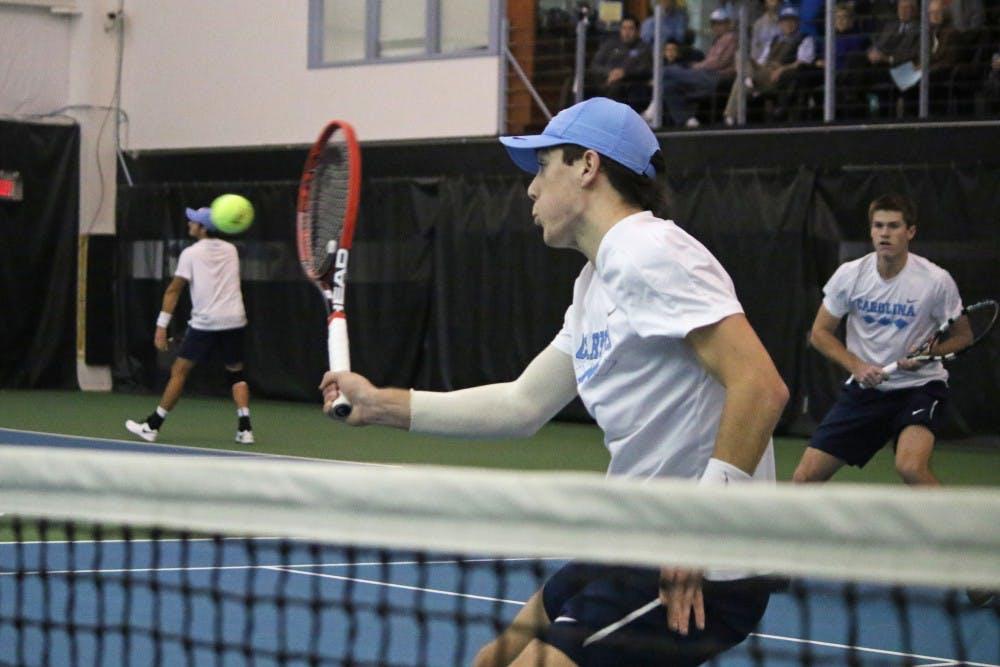 UNC men's tennis doubles duo scores singles points