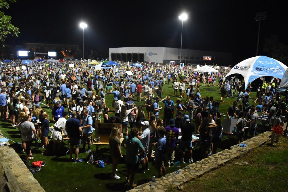 <p>Students gather on Hooker Fields for FallFest in 2017.</p>