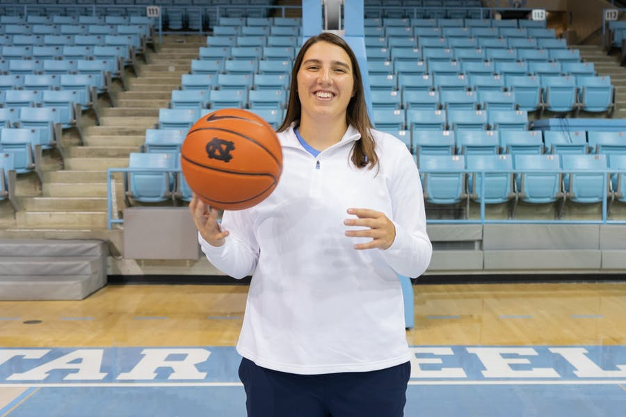 With recent promotion, Liz Roberts takes on new role in UNC women's basketball