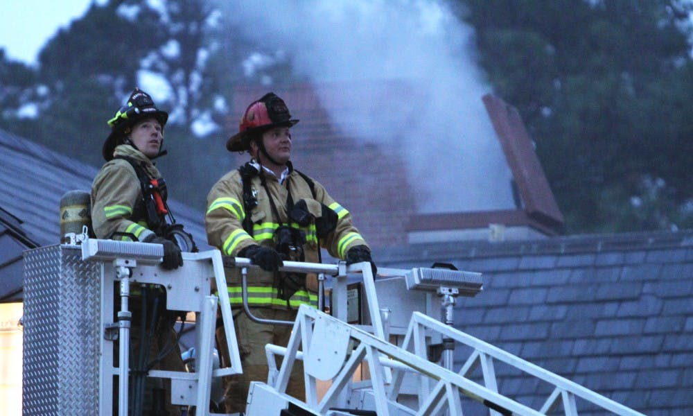 A fire displaces more than 350 Cobb residents