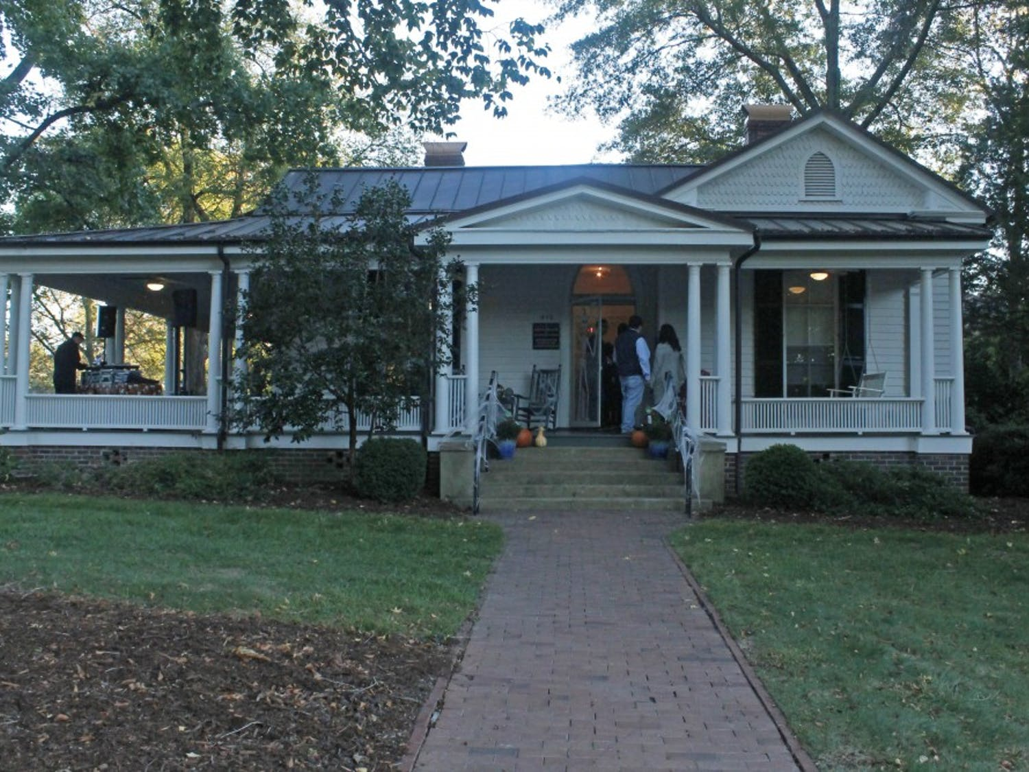The Love House hosted a spooky pop-up museum on Oct. 26.