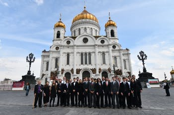 The Yale Russian Chorus at the Cathedral of Christ the Savior in Moscow. Photo courtesy of the Yale Russian Chorus.