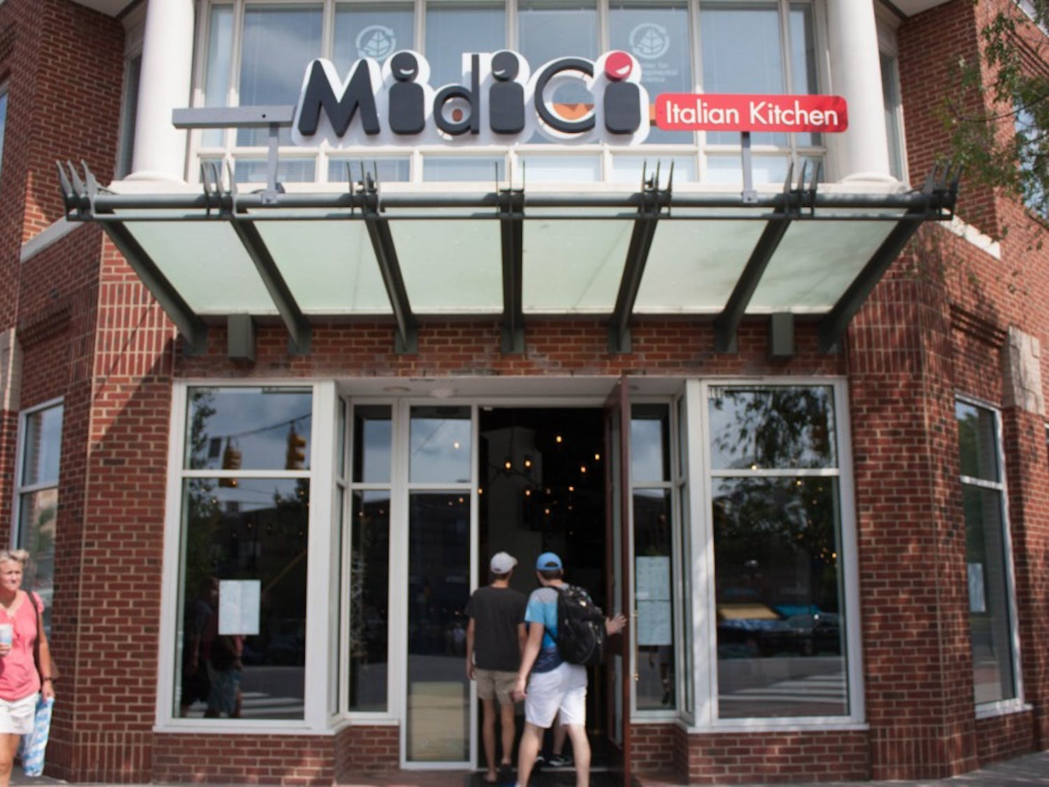 MidiCi Italian Kitchen at 100 E. Franklin St. specializes in Neapolitan pizza baked in 90 seconds.