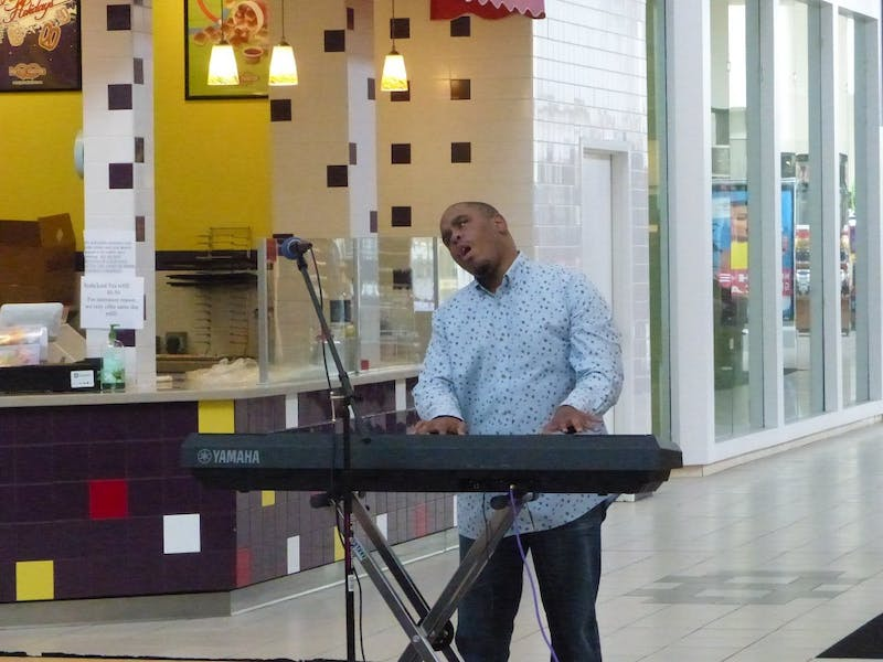 Khori Bledsoe performs at a previous DisABLE the Label event. Photo courtesy of Kristen Randall.