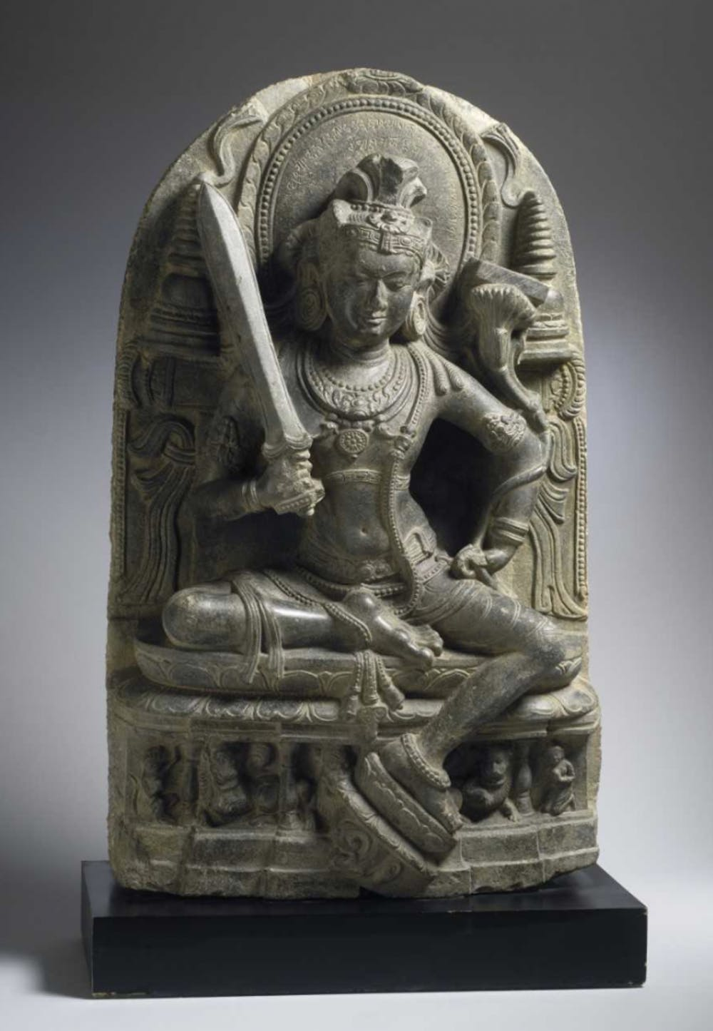 Stolen 10th century sculpture repatriated to India after years at the Ackland