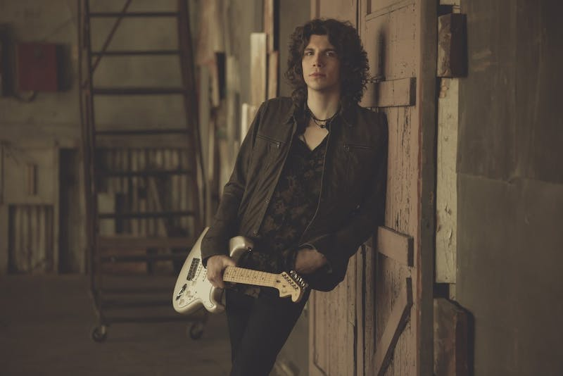 "Jesse Kinch, the only winner of ABC's ""Rising Star,"" will perform in Durham on April 5."