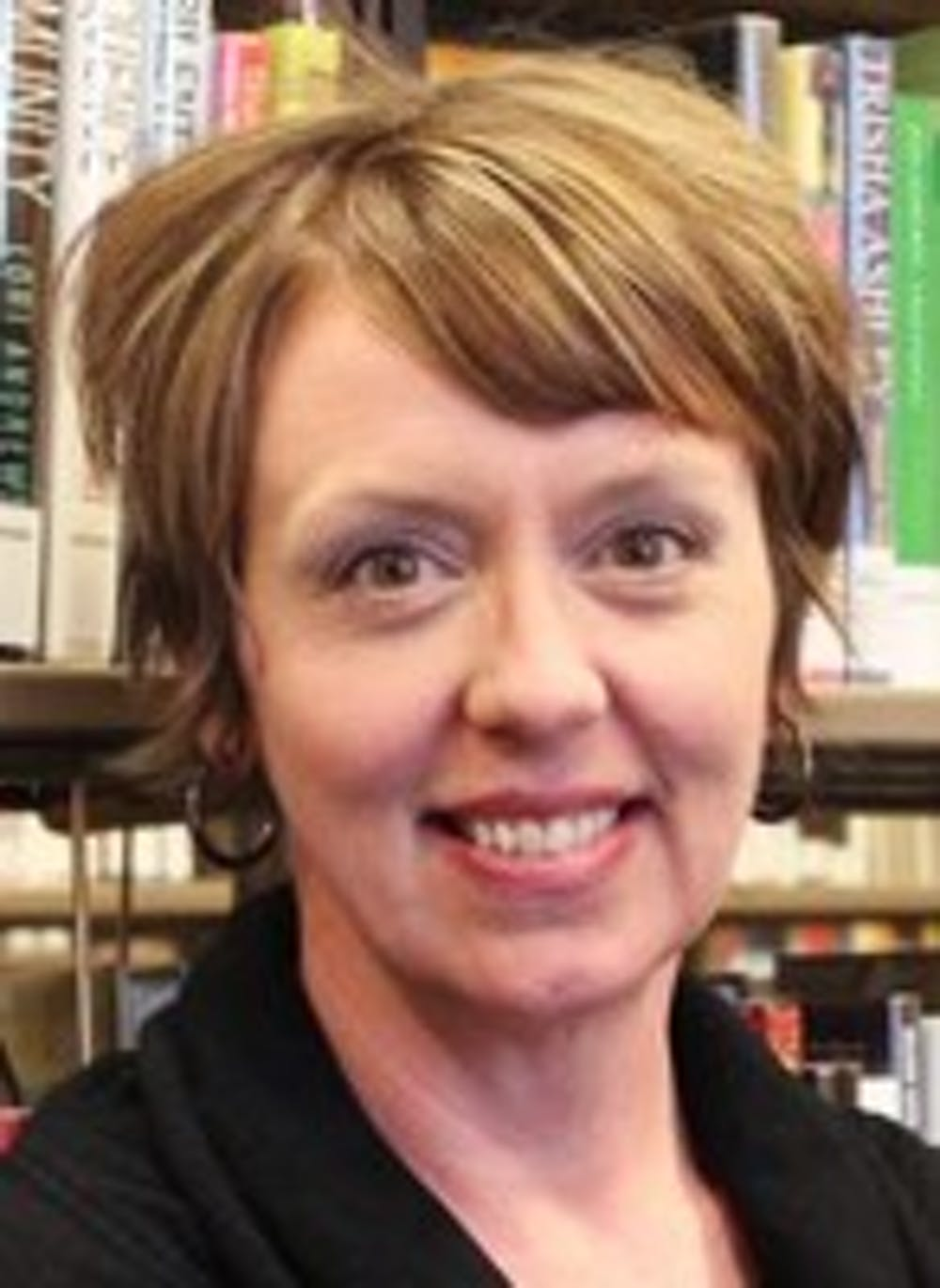 Library director returns to town