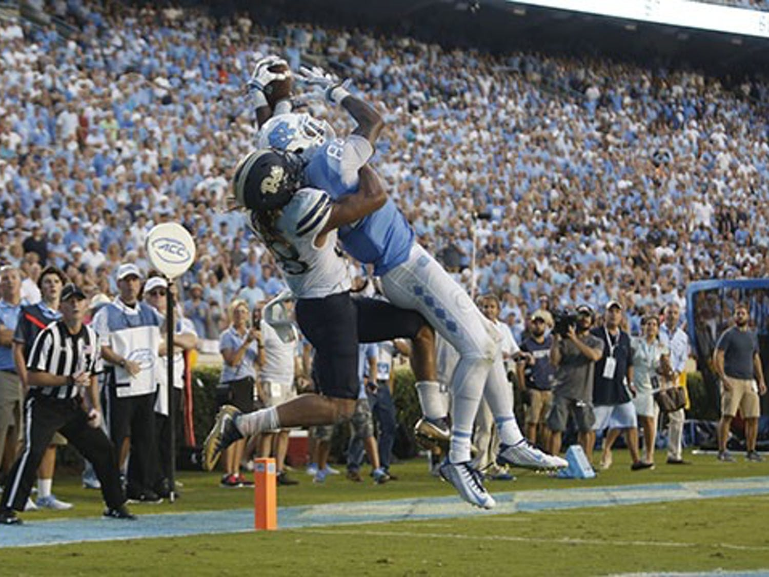 UNC wide receiver Bug Howard catches the game winning touchdown with two seconds remaining in regulation against Pitt.