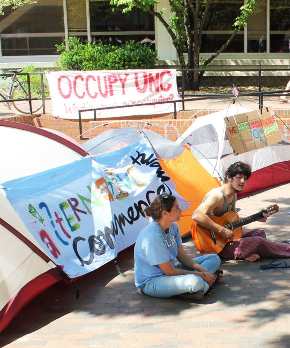 Occupy movement promotes 'alternative Commencement' in the Pit